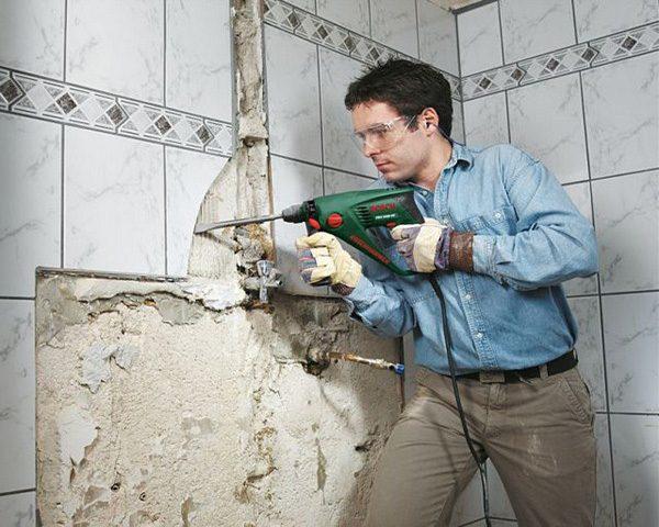 Вопрос, как снять плитку со стены